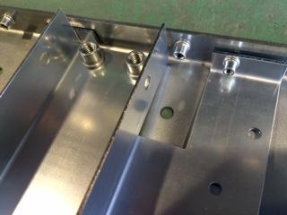 機械加工と板金加工による組み立て加工